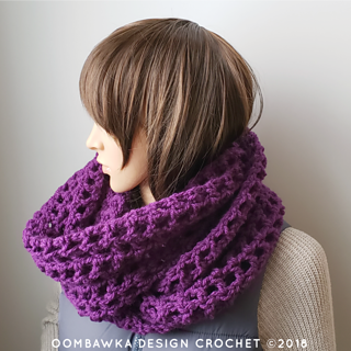 Comfort Me To Infinity Scarf. Free Pattern from Oombawka Design Crochet. #scarfofthemonthclub2019