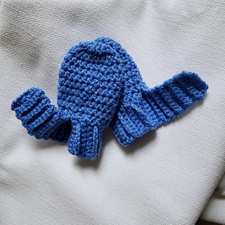 Buttonless Easy-On No Scratch Baby Mitts Free Crochet Pattern by Oombawka Design Crochet