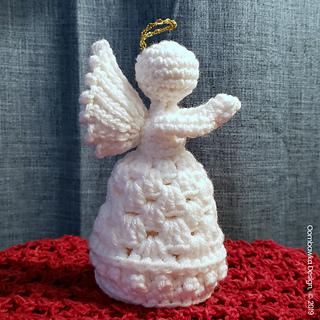 Guardian Angel Crochet Pattern. Free pattern from Oombawka Design Crochet. #cijmakelaong2019