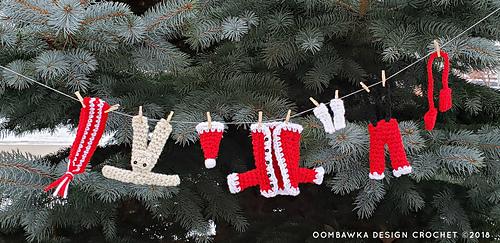 Santa's Laundry Line Crochet Pattern by Rhondda Mol @oombawkadesigncrochet