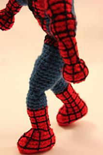 Amigurumi Spiderman Free Crochet Pattern | Serbest örgü, Örme ... | 320x213