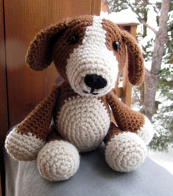 Crochet Beagle Amigurumi Project: British Wool | TOFT | 640x565