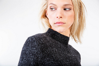 Varna, neck detail