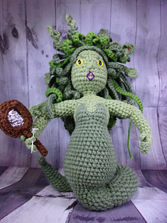 Medusa #TheCraftbyMelody #amigurumi #crochet #mythology #medusa ... | 320x240