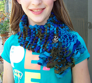 Ravelry Triana Scarf Model E 09 Pattern By Knitting Fever