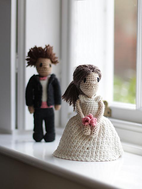 Loving Bride & Groom Amigurumi Crochet Doll Pattern - Wedding ... | 640x479