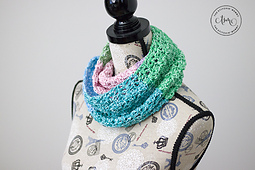 Equilibrium Infinity Scarf by The Stitchin' Mommy