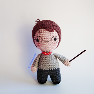 Ravelry: Wizarding Chick Amigurumi Harry Potter pattern by Ami Amour | 320x320