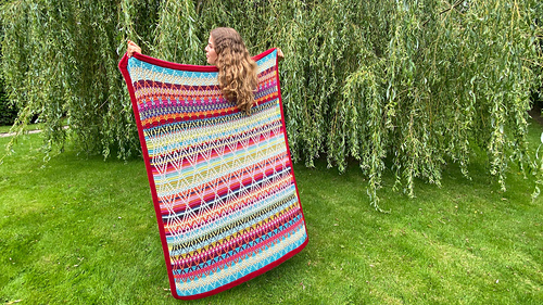 Folk Queen Lucia's Fig Tree kit, using Stylecraft Life yarn