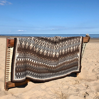 Icelandic wool Queen kit in Plotulopi yarn from triscote.fr