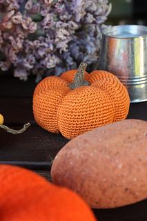 Attic24: Crochet Pumpkin Patch | 320x213