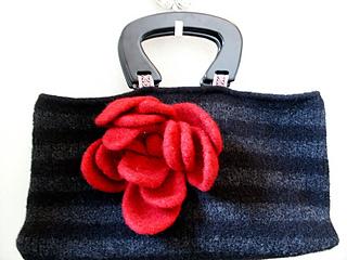 Noni Medium Carpet Bag - Indoors