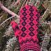 Red & black Öland mitt pattern
