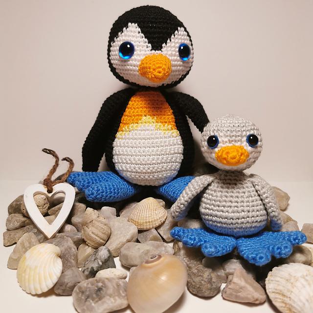 Penguin Amigurumi Free Crochet Pattern • Spin a Yarn Crochet | 640x640