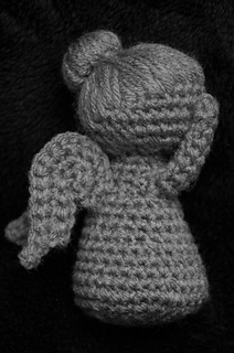 Don't Blink (crocheted weeping angel) - YouTube | 320x212
