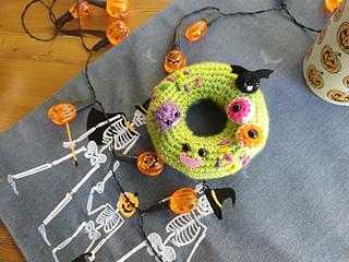 Doughnut keyrings! #amigurumi #crochet #doughnut #crochetdoughnuts ... | 240x320