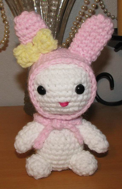 DIY-How to crochet a amigurumi doll head - YouTube | 640x413