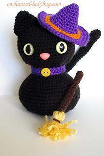 33+ Free Spooky Halloween Crochet Patterns - Sigoni Macaroni | 320x214