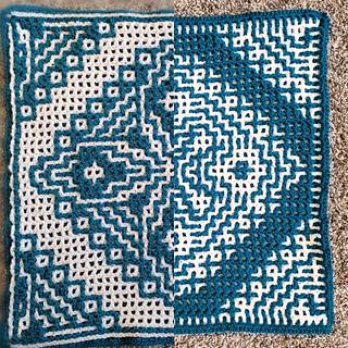 Front vs back of interlocking crochet