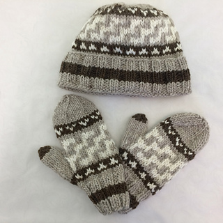 Cowichan-Inspired Hat and Mittens, size L