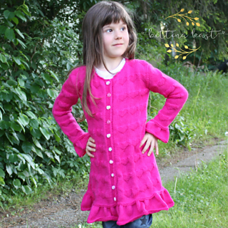 Isabel Long Cardigan with Hearts pattern from Bettina Kast