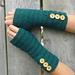 Button-up Fingerless Gloves pattern
