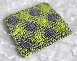 Diagonal plaid washcloth