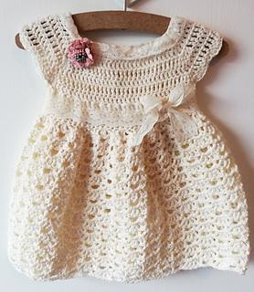 Ravelry Robe Pour Bébé Au Crochet Pattern By Crafted Land