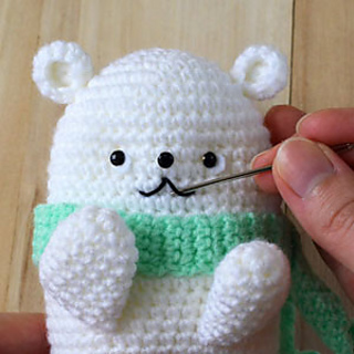 Parker The Polar Bear Crochet Pattern by Yarn Society | 320x320
