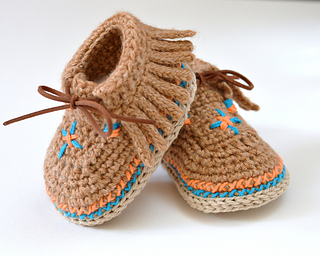 Ravelry: Baby Moccasin Shoes pattern by