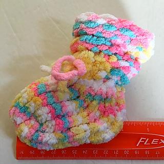 """4"""" bootie made on the 3/4"""" gauge 12 peg Flower Loom with Bernat Blanket Yarn."""