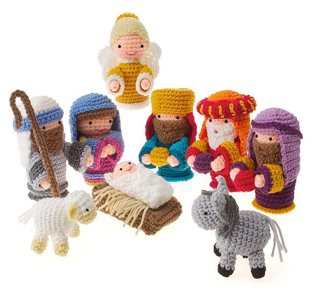 Medium Crochet Nativity