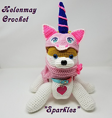 Crochet small unicorn pet outfit.