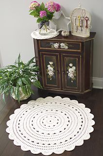 "Alicia Doily Rug ~ 35"" pattern by Henna"