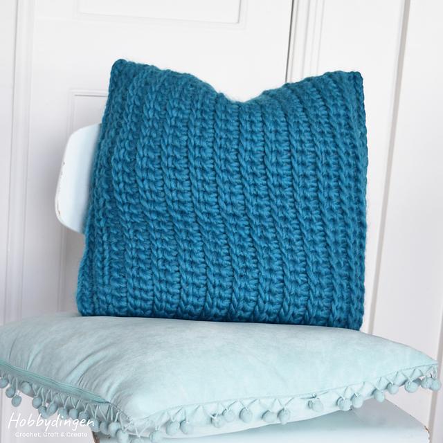 Ravelry Love Wool Pillow Pattern By Hobbydingen