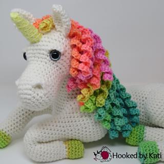 Amigurumi Unicorn by YarnYard on DeviantArt | 320x320