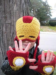 Iron Man Crochet Wristwarmers | 320x240