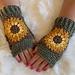 Sunflower Fingerless Gloves pattern