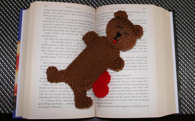 Miś - szydełkowa zakładka do książki - tutorial / Crochet Teddy ... | 398x640