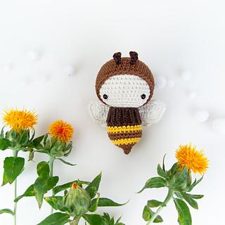 Bonnie Bee Doll Crochet Pattern By HavvaDesigns© Adorable Crochet ... | 320x320