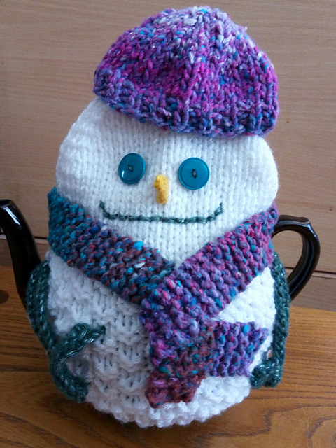 Snowman Tea Cozy from Christmas Tea Cozies by Loraine Birchall