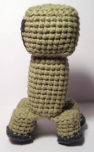 Crochet creeper! | Minecraft crochet, Crochet, Crochet amigurumi | 500x311