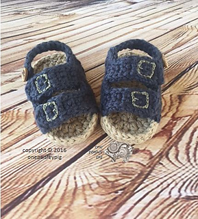 Baby Birkenstocks pattern by Paisley