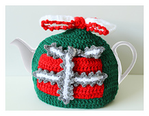 Christmas teapot cosy with present shaped pockets