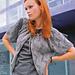 # 02 Graue Jacke mit gebundenem Ausschnitt pattern