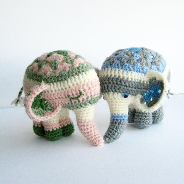 Vintage crochet pattern Elephant square for bedspread pdf | Etsy | 640x640