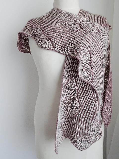 Frail scarf by Robynn Weldon