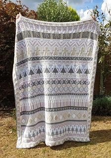Large blanket. Vintage colourway.