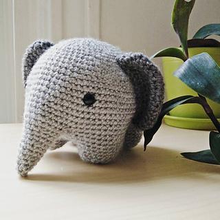 Pattern: Elephant   Breien en haken, Gehaakte projecten, Haakpatronen   320x320
