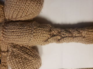 Close up of tail. Also you can see that the air sac is attached between the two sets of purl rows